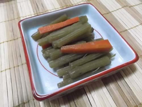笹の葉採り_f0019498_16031275.jpg