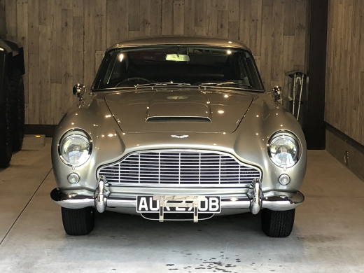 A story of purchasing the DB5 from Newport Pagnell Vol.10_c0128818_01244280.jpg