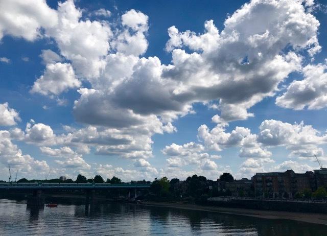 雲があるから空が美しい_e0114020_18571778.jpg