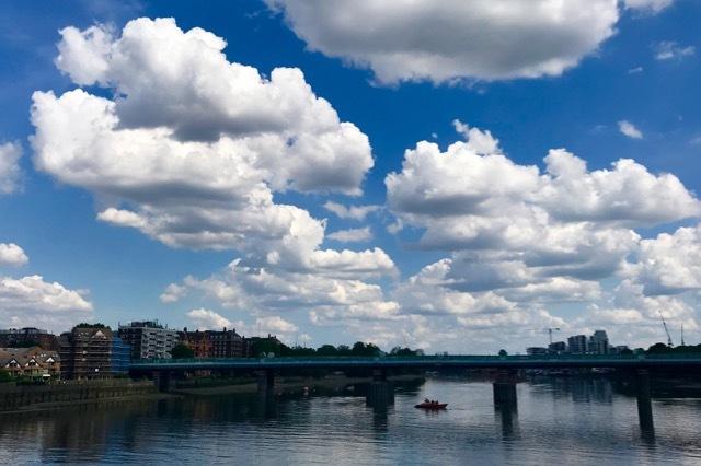 雲があるから空が美しい_e0114020_18580093.jpg