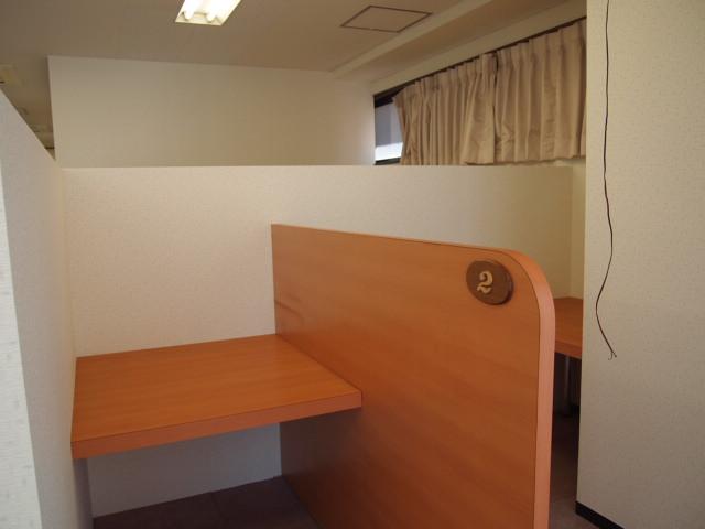 リノベーション工事のビデオ室家具設置。。_a0214329_13152564.jpg