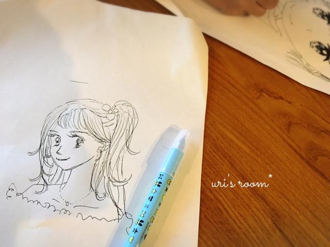 以前に買ったHAYトレイ、現在。それから…少女漫画家になりたい(かった)親子のお絵描き。_a0341288_00201856.jpg