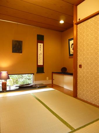 北鎌倉駅前の家がギャラリーになりました。_c0195909_09231504.jpg