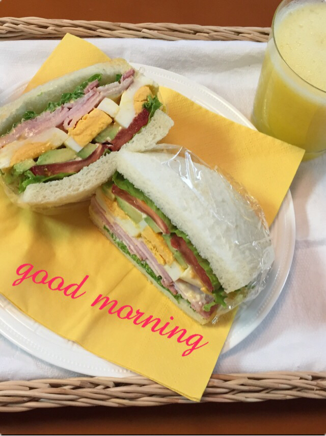朝食にサンドイッチ_c0223630_23170425.jpg