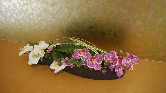 北の花籠カタログアレンジを老舗旅館長栄館様へ納品_a0123133_09005491.jpg