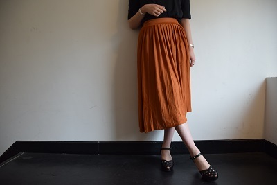 スカート スカート プリーツスカート    。_b0110586_09544634.jpg