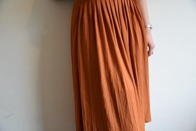 スカート スカート プリーツスカート    。_b0110586_09550014.jpg