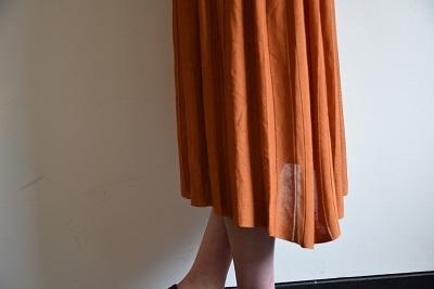 スカート スカート プリーツスカート    。_b0110586_09551796.jpg