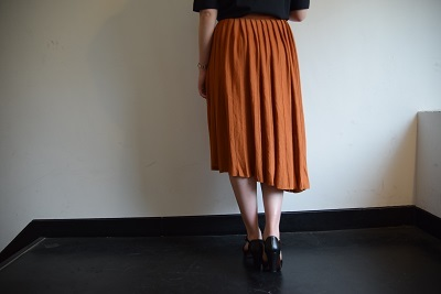 スカート スカート プリーツスカート    。_b0110586_09552108.jpg