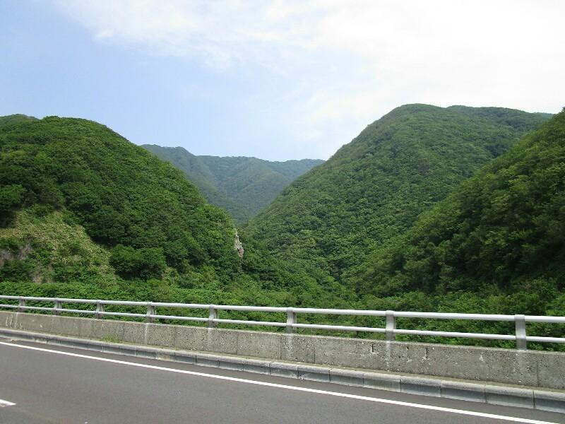 47日目【知内温泉−江刺町】橋の下には絶景がひろがっていました。いろんな出会いもありました。_e0201281_20030085.jpg