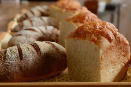 あこ天然酵母でチーズ食パン、パンオナッツ_f0329586_09092960.jpg