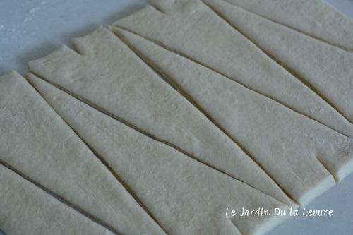 あこ天然酵母でチーズ食パン、パンオナッツ_f0329586_09115059.jpg