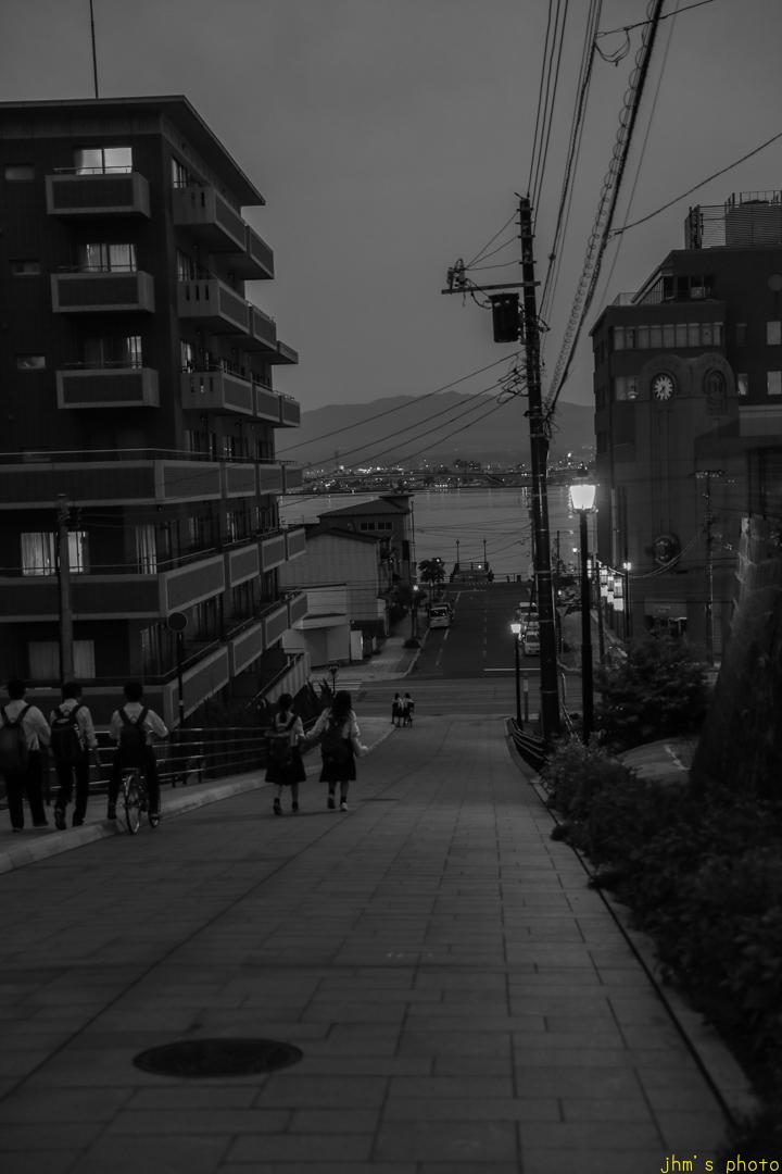 薄暮の日和坂と八幡坂_a0158797_23121963.jpg