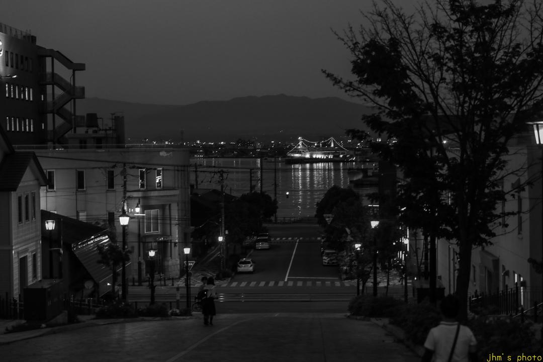 薄暮の日和坂と八幡坂_a0158797_23142919.jpg
