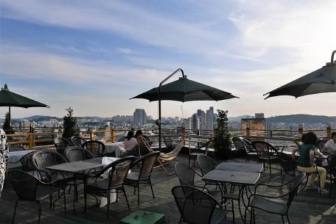 清州でマストな観光地 スアムゴル ②絶景の見えるカフェ_a0140305_02364075.jpg