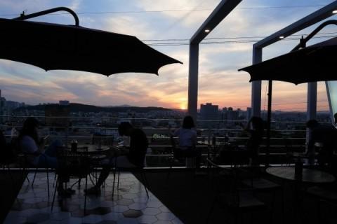 清州でマストな観光地 スアムゴル ②絶景の見えるカフェ_a0140305_02465053.jpg