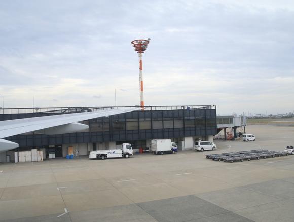 渡良瀬橋へ行く旅 ANA 伊丹空港_d0202264_1635138.jpg