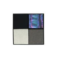 身につける漆 漆のアクセサリー ブローチ 螺鈿モザイク チェスボード 黒色 坂本これくしょんの艶やかで美しくとても軽い和木に漆塗りのアクセサリー SAKAMOTO COLLECTION wearable URUSHI accessories MAKIE brooch Mosaic Chess Jet black プラチナ箔・いぶし銀箔・漆黒、モノトーン調の配色に螺鈿が虹色に輝く贅沢な蒔絵、華やかながら派手すぎないデザインが襟元を上品に演出、漆と蒔絵と螺鈿が生み出す宇宙のような輝きが魅力、和木に漆のアクセサリーは軽くて着け心地が楽とご好評、ペンダントとしても楽しめます。 #漆のアクセサリー #軽いブローチ #漆のブローチ #螺鈿 #モザイク #チェスボード #漆黒 #モノトーン #蒔絵のブローチ #蒔絵 #チェス #モザイク #brooch #JetBlack #ChessBoard #CheckerBoard #MosaicBrooch