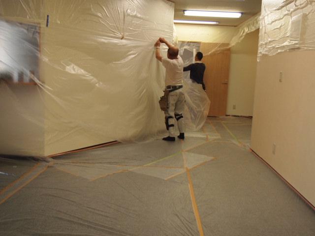 玄関ホールの天井塗装仕上げます・・・!_a0214329_17534874.jpg