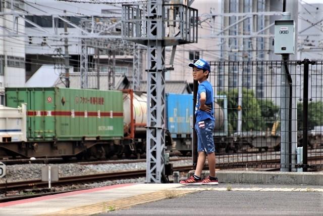 藤田八束の鉄道写真@貨物列車と借景の素晴らしさ、貨物列車に魅せられて写真を撮る_d0181492_19403254.jpg
