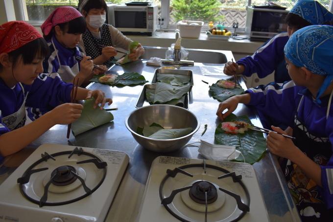 中学校で行われた郷土料理体験に参加してきました_c0238069_14522420.jpg