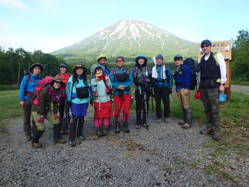 羊蹄山登頂100回達成祝賀登山会、2018.6.10ー同行者からの写真ー_f0138096_20254442.jpg