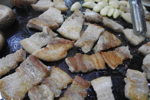 しょうゆサムギョプサルを食べてみた! @清州_a0140305_02255789.jpg