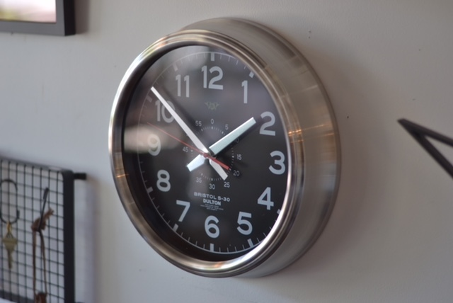wall clock black dial_e0228408_15413230.jpg