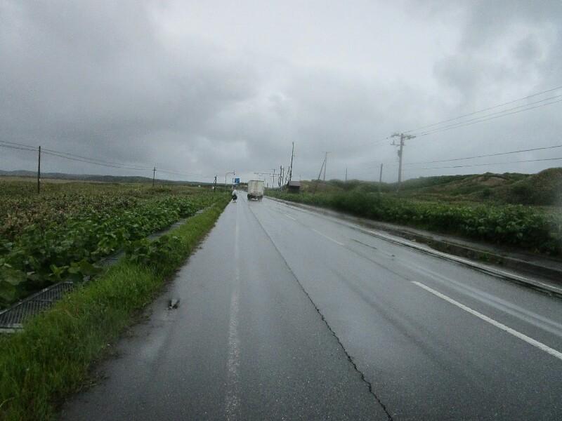 53日目【苫前−稚内】最北の稚内もやはり雨だった!_e0201281_22081335.jpg