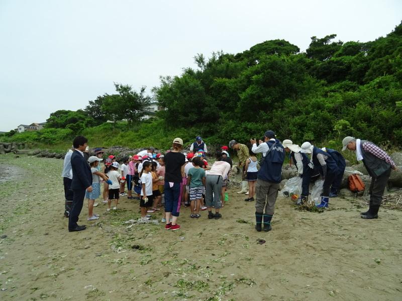 下荘小学校2年生「浜辺の生き物観察」・・・箱作西浜自然海岸_c0108460_20531351.jpg