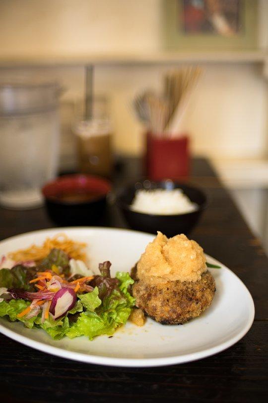 Lunch At A Spanish Bar_d0353489_16100705.jpg