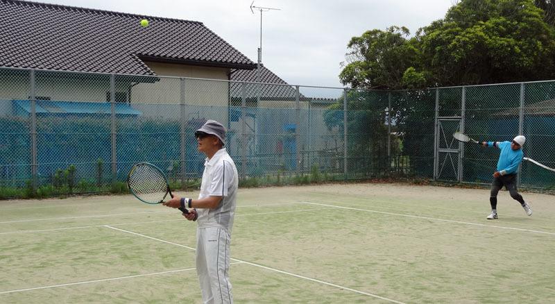 Kさんがテニスコートに戻ってきた_b0114798_17181192.jpg