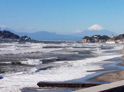 七里ガ浜にまた新しいショップがオープンです!_c0054646_19262232.jpg