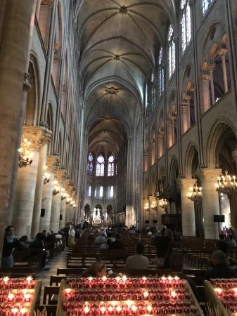 ノートルダム大聖堂前のパン祭り_a0136671_00464079.jpg