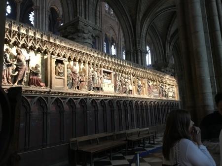 ノートルダム大聖堂前のパン祭り_a0136671_00540329.jpg