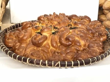 ノートルダム大聖堂前のパン祭り_a0136671_01125613.jpg
