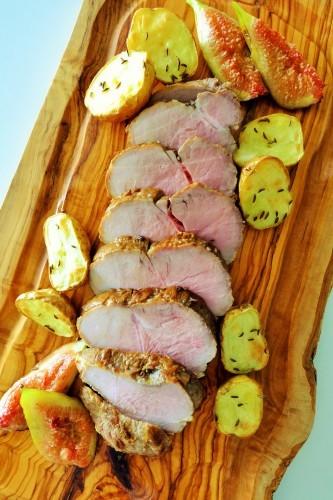 豚もも肉のスパイスロースト、新じゃがいも、無花果添え_b0145846_18304361.jpg
