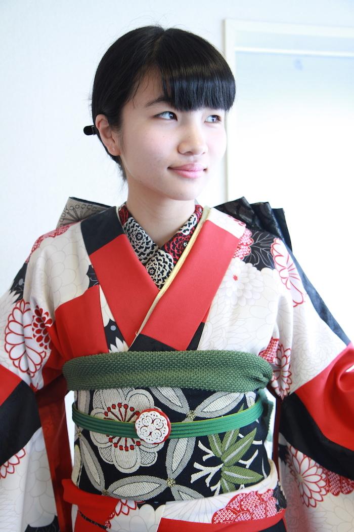 Nahoちゃんのアンティークな振り袖_d0335577_06210863.jpg