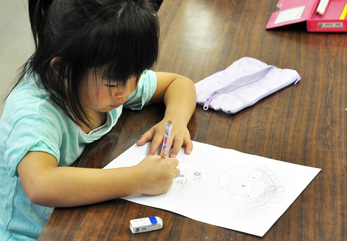 児童画クラス お父さんのガラス絵_b0212226_18392267.jpg