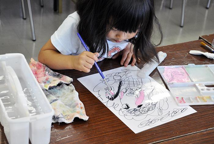 児童画クラス お父さんのガラス絵_b0212226_18502554.jpg
