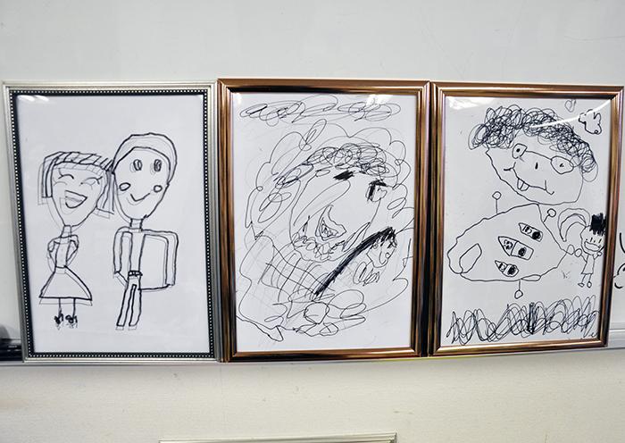 児童画クラス お父さんのガラス絵_b0212226_18510095.jpg