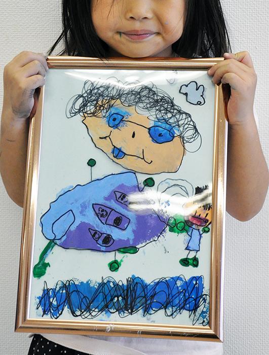 児童画クラス お父さんのガラス絵_b0212226_18532416.jpg