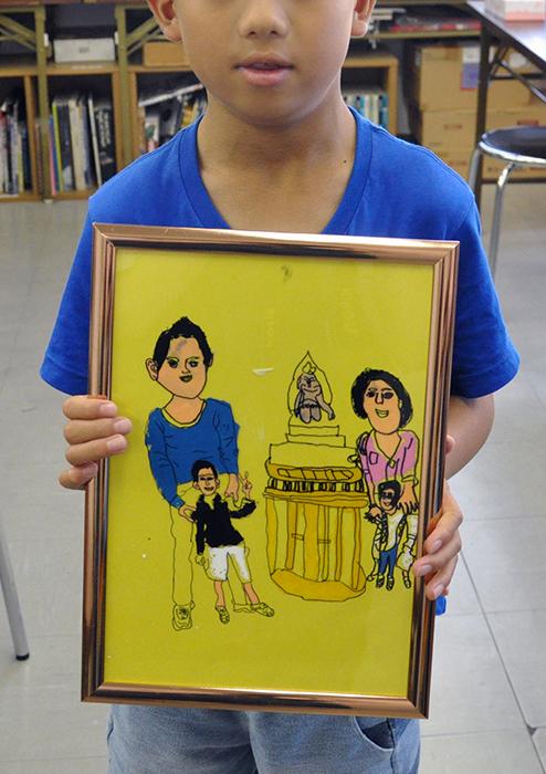 児童画クラス お父さんのガラス絵_b0212226_18552067.jpg