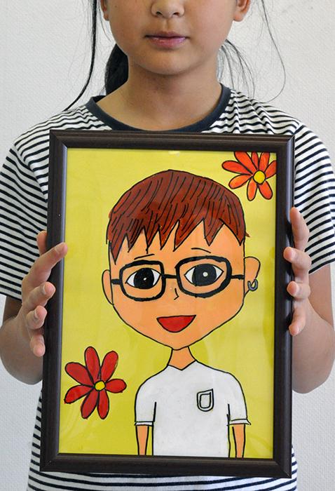 児童画クラス お父さんのガラス絵_b0212226_18560825.jpg