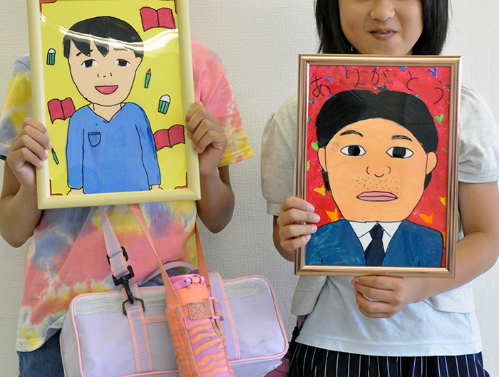 児童画クラス お父さんのガラス絵_b0212226_18563656.jpg