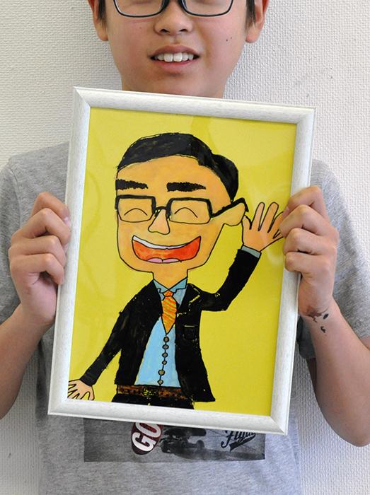 児童画クラス お父さんのガラス絵_b0212226_18570465.jpg