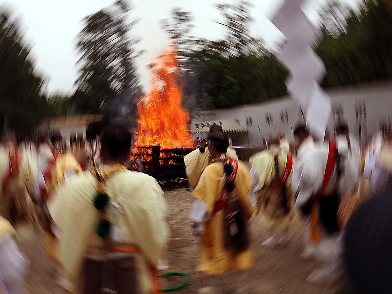 5月28日滝谷不動尊 春季大祭 柴燈大護摩供_e0254493_2349738.jpg