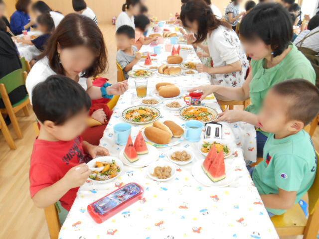 きりん組 保育参観と給食懇談会_e0148419_16332181.jpg