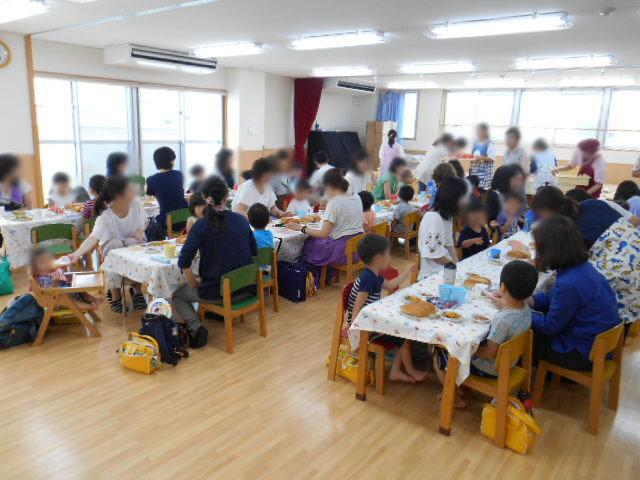 きりん組 保育参観と給食懇談会_e0148419_16344089.jpg