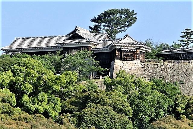 名城松山城を訪ねる旅、坊ちゃん列車路面電車の行き交う楽しい町松山・・・道後温泉と松山城、名君加藤義明_d0181492_15343979.jpg
